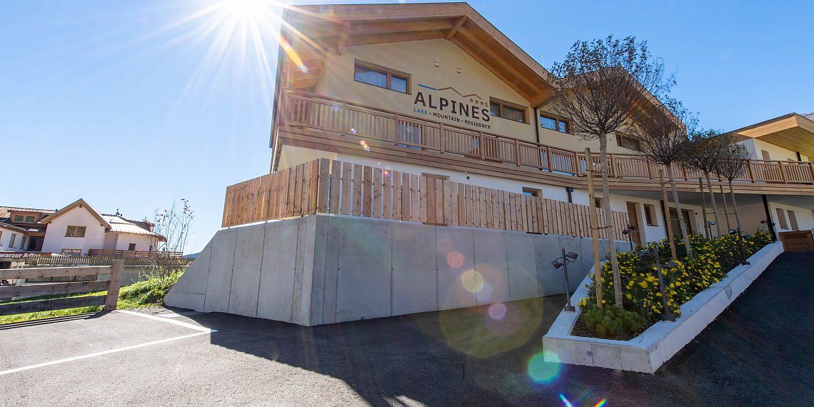 Apartements at Resia Pass - Alpines lake and mountain Residence in summer
